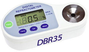 RIFRATTOMETRO DIGITALE PORTATILE E DA BANCO MOD. DBR 35